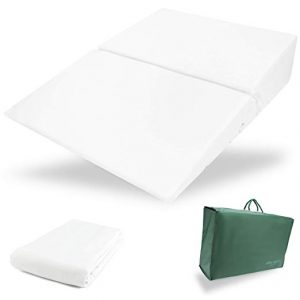 Folding Pillow by Medslant